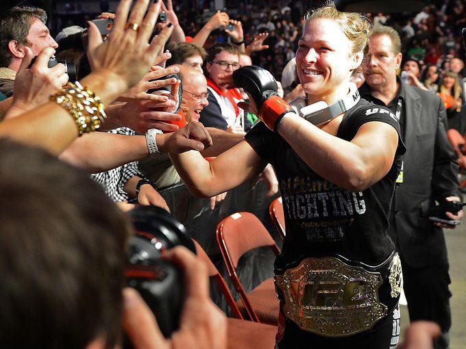 Ronda Rousey Vs Liz Carmouche 3