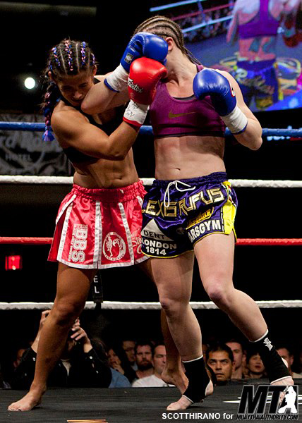 Alexis Rufus vs Tiffany Van Soest, Lion Fight Promotions, Las Vegas 2013
