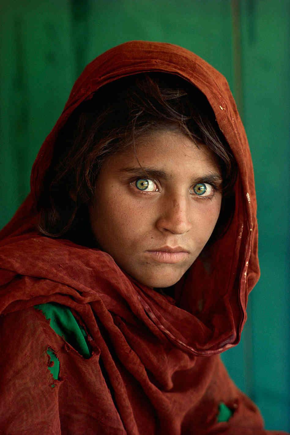 """Magnum photographer Steve McCurry's """"Afghan Girl"""""""