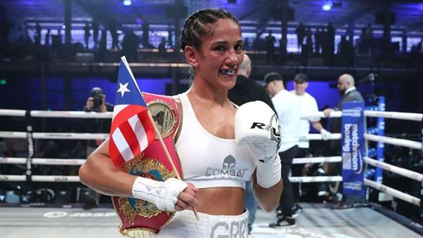 Amanda Serrano vs. Daniela Bermudez from DAZN News UK